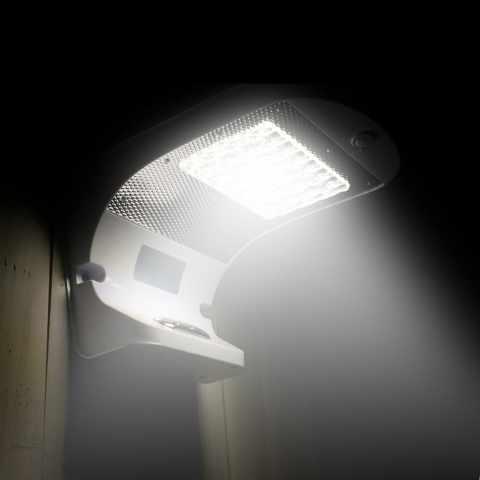 LR006LED - Lampe murale panneau solaire LED jardin extérieur REFLEX 28 Led - scontato