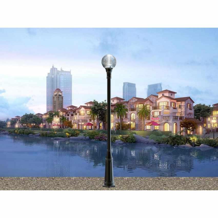 Réverbère solaire LED pour les routes Avenues jardins avec panneau solaire intégré  TITANO - foto