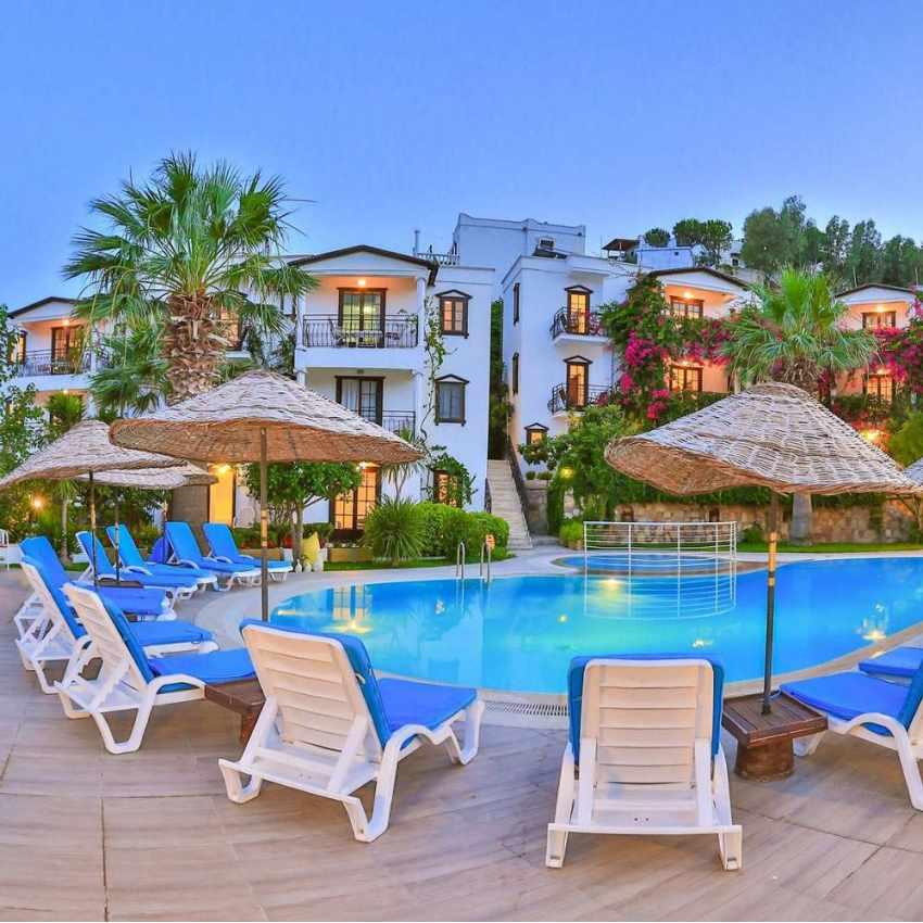 lits de piscine chaises longue en plastique professionels bain de soleil promo stock 18 pièces - scontato